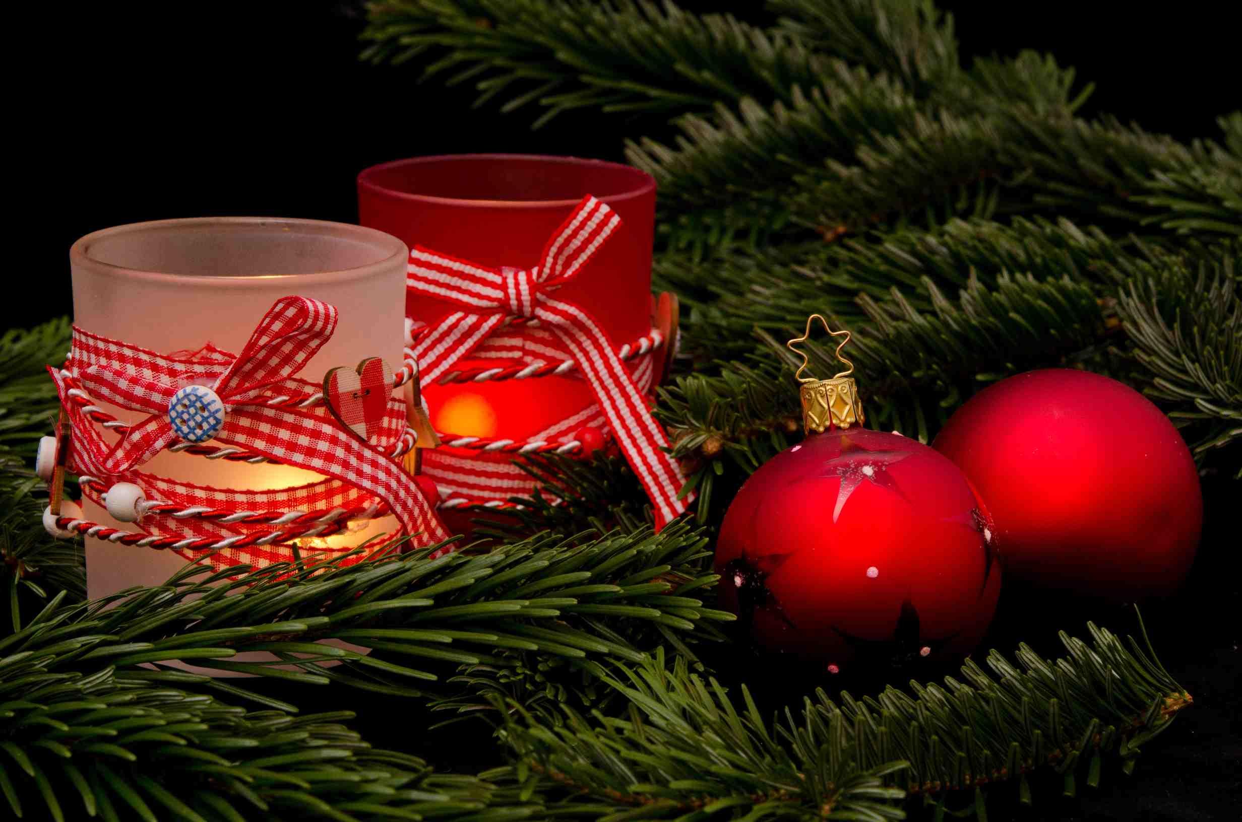 Weihnachtliche Windlichter