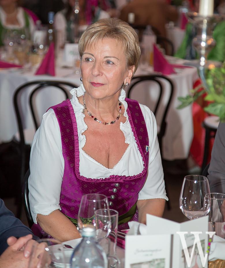 Graselwirtin Anna Rehatschek jubiliert