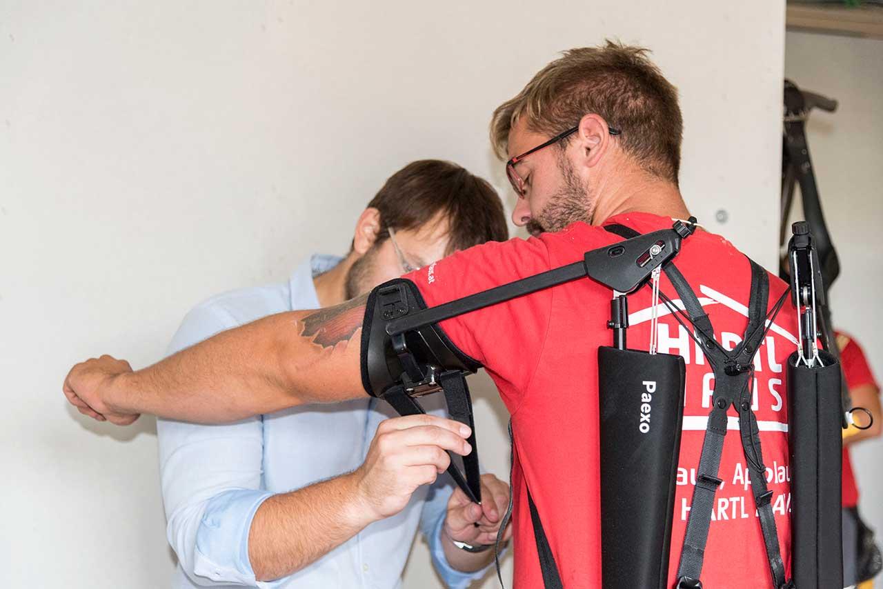 Exoskelette für Hartl Haus-Mitarbeiter - Wald4tlerin